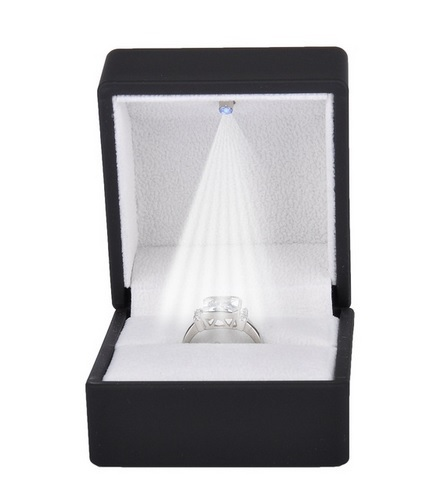 Estuche luz led sortija labial color negro 65x60x50 mm.